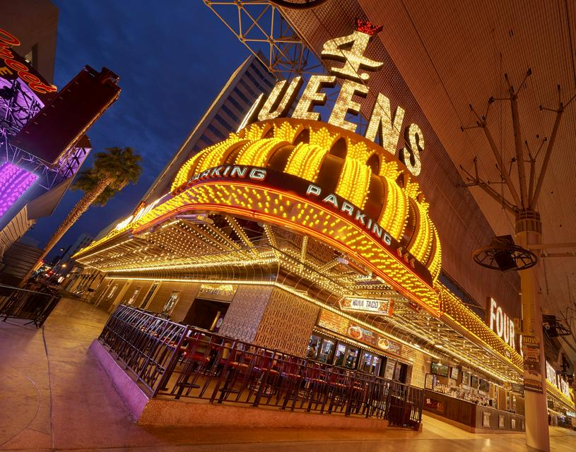 Four Queens Hotel and Casino - ReservationDesk.com